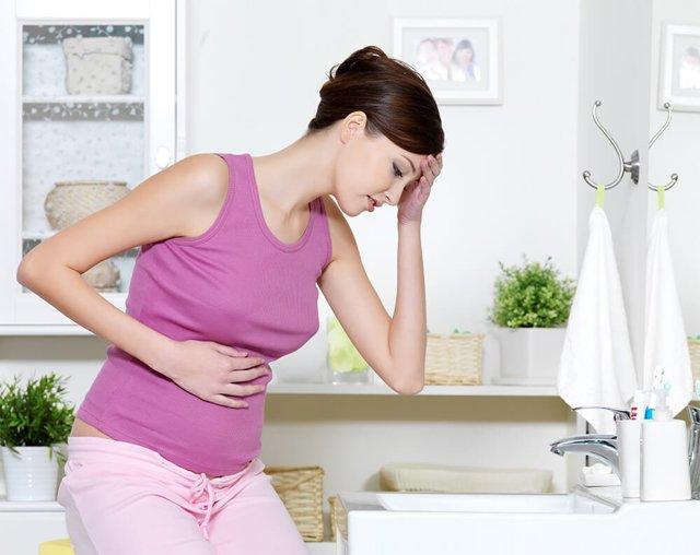 Внематочная беременность: чем опасна, как распознать и лечить?