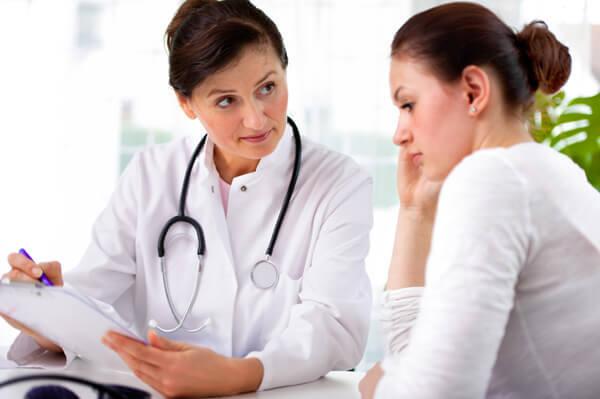 Как проходит осмотр девочки у детского гинеколога: правовой аспект, выявляемые патологии