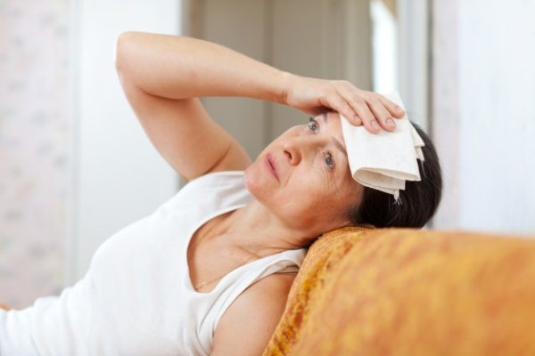 Гиперплазия эндометрия в менопаузе, а также в пре-и постменопаузе: основные симптомы и тактика лечения
