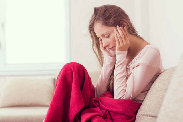 Головная боль при месячных, перед ними и после: этиология болевого синдрома и борьба с ним