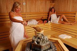 Можно ли париться в бане, сауне при месячных: советы специалистов