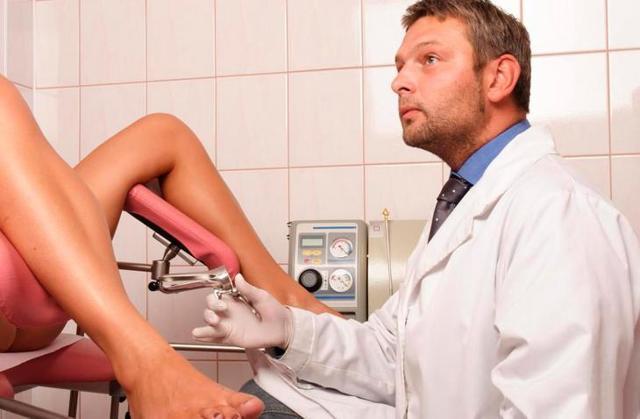 Можно ли идти к гинекологу во время месячных [когда лучше до или после]