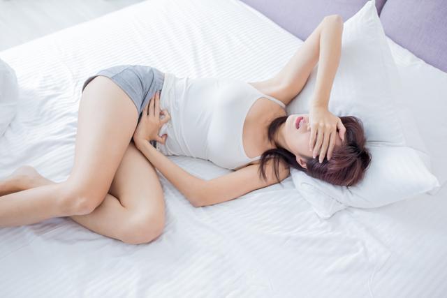 Болят (тянет) яичники перед (во время, после) месячными: Причины