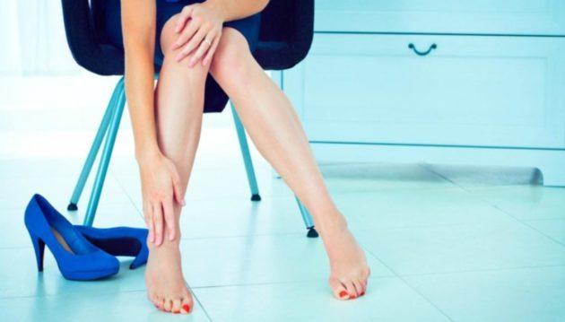 Отеки перед, во время месячными: Почему задерживается жидкость в организме женщины