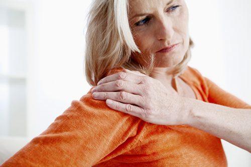 При климаксе болят суставы, что делать: мышечные боли, лечение